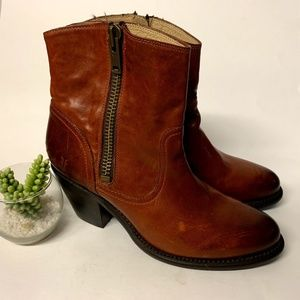 Frye Leslie Brown Leather Zip Heeled Ankle Boots